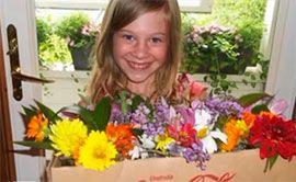 Цветы помогают Мэгги Хартман создавать